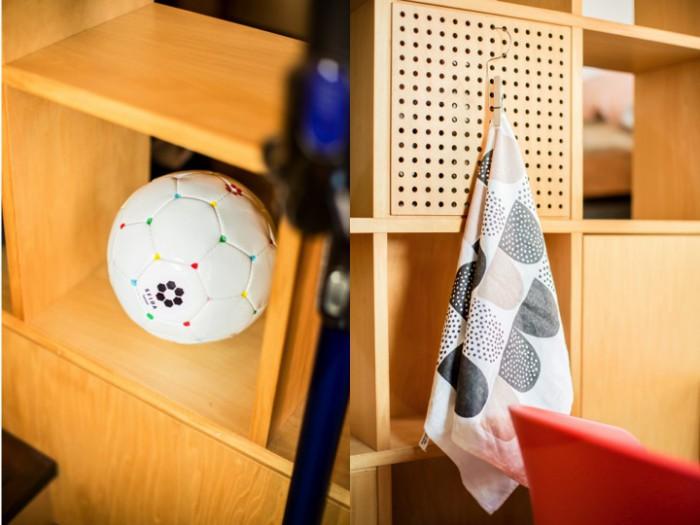 棚のドット模様を上手く利用してタオルかけにするなど、小技が効いている。