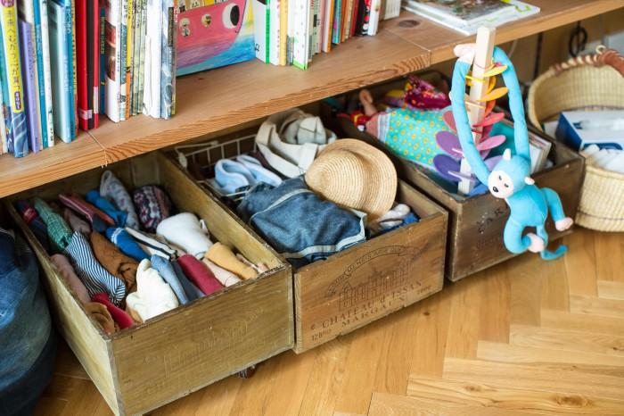 息子さんの着替えなど、すぐ取り出したいものは、こちらに収納されている。