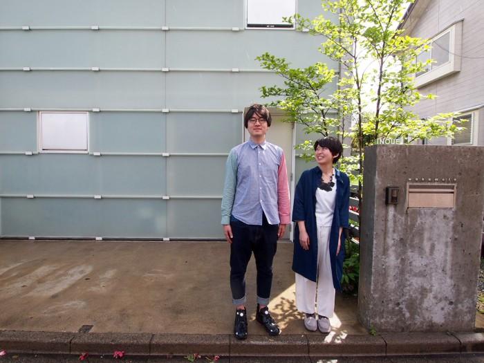 家の前でご夫婦揃ってパシャリ