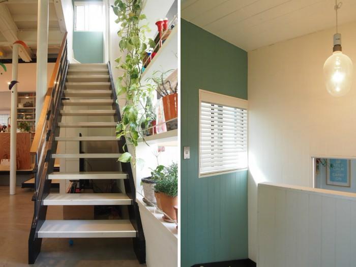 (左)階段inリビング/(右)階段の踊り場はスカイブルーの塗装で爽やかに。